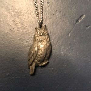 Jewelry - Owl pendent necklace